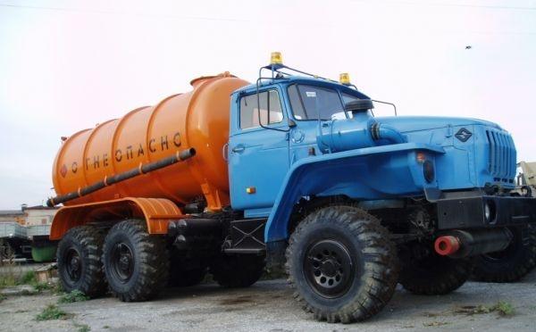 АКН-10 (автоцистерна для сбора конденсата нефти с насосом ВК6M2, 10 м/куб)  в наличии и на заказ