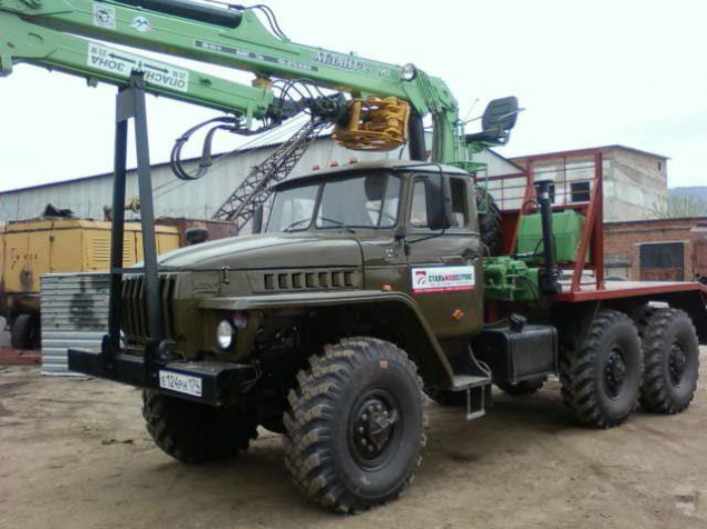 Лесовоз УРАЛ 4320 с манипулятором Атлант-С 90 ДВС ЯМЗ-236  в наличии и на заказ