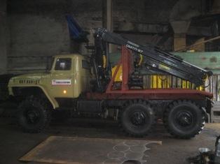 Лесовоз УРАЛ 4320 с манипулятором ОМТЛ-97 ДВС ЯМЗ-238  в наличии и на заказ